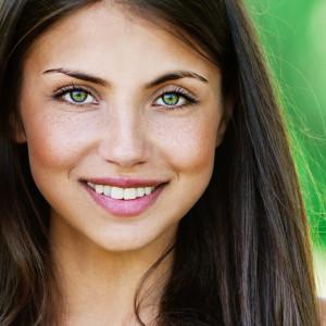 Smile Green Eyes